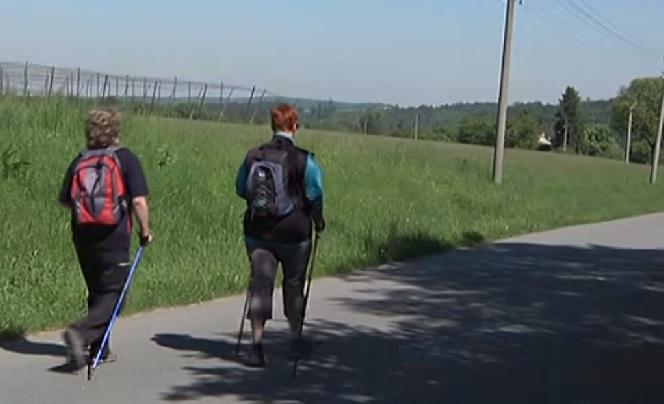 Turisté pochodovali a vyjeli Za přerovským zubrem