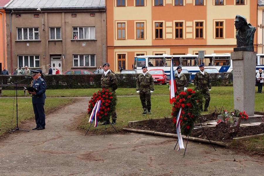 Den s vlčími máky připomene hrdinství válečných veteránů
