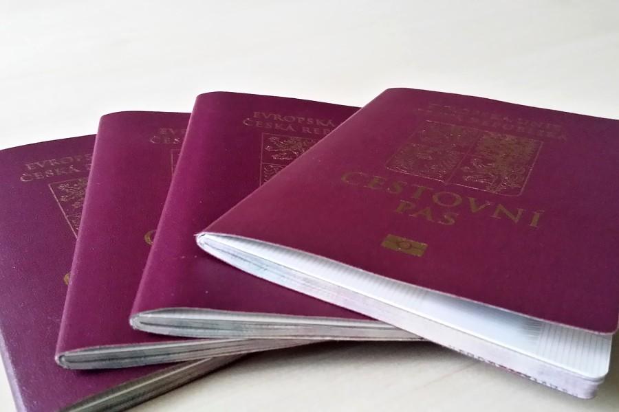 Občanský průkaz a cestovní pas po Vánocích na úřadě nevyřídíte.
