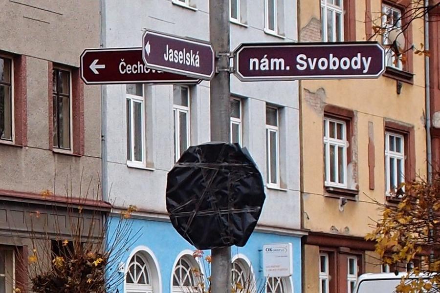 """Zakryté značky se """"odhalí"""" a  z náměstí Svobody bude jednosměrka"""