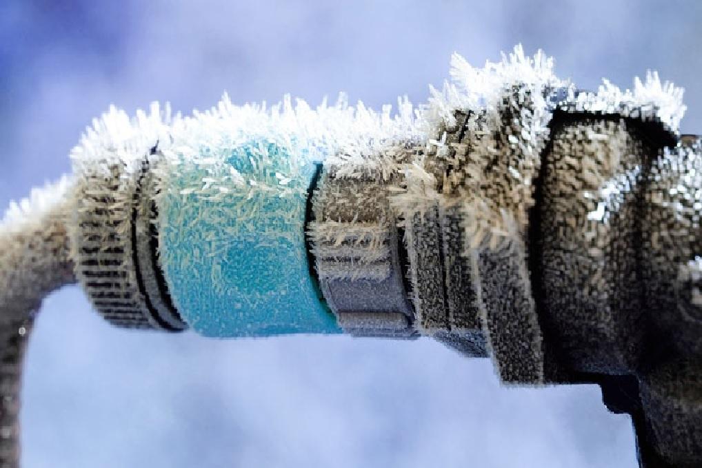 Pozor na zamrzlý vodoměr či vodovodní přípojku