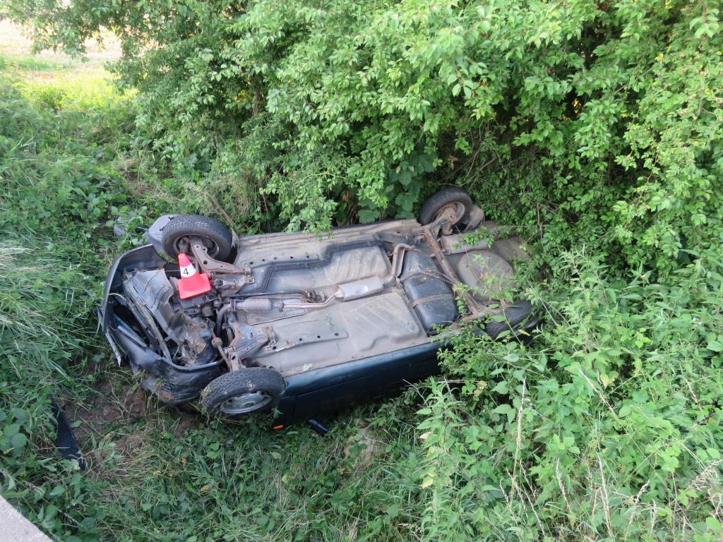 Mladík bez řidičáku nadýchal po nehodě 2, 67 promile