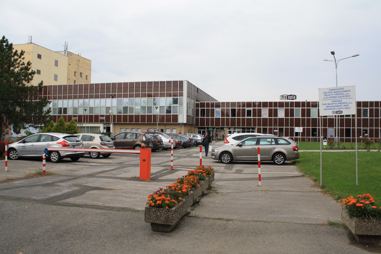 Parkoviště u Meopty nově i pro veřejnost. Od pěti odpoledne do pěti do rána