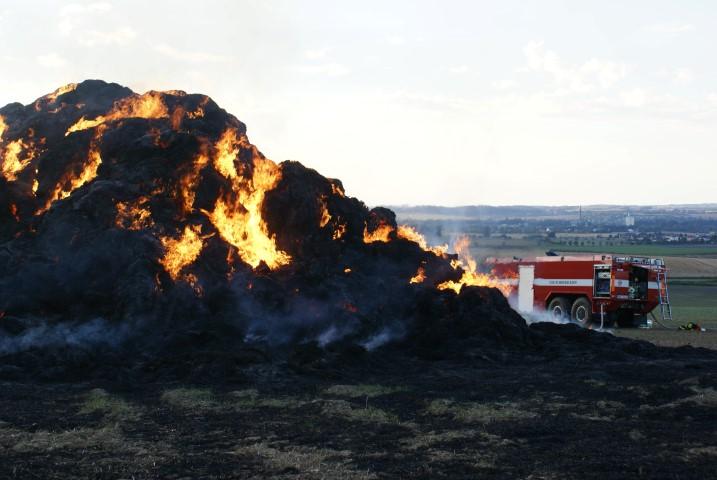 Na Přerovsku opět hořel stoh slámy, tentokrát v Kozlovicích