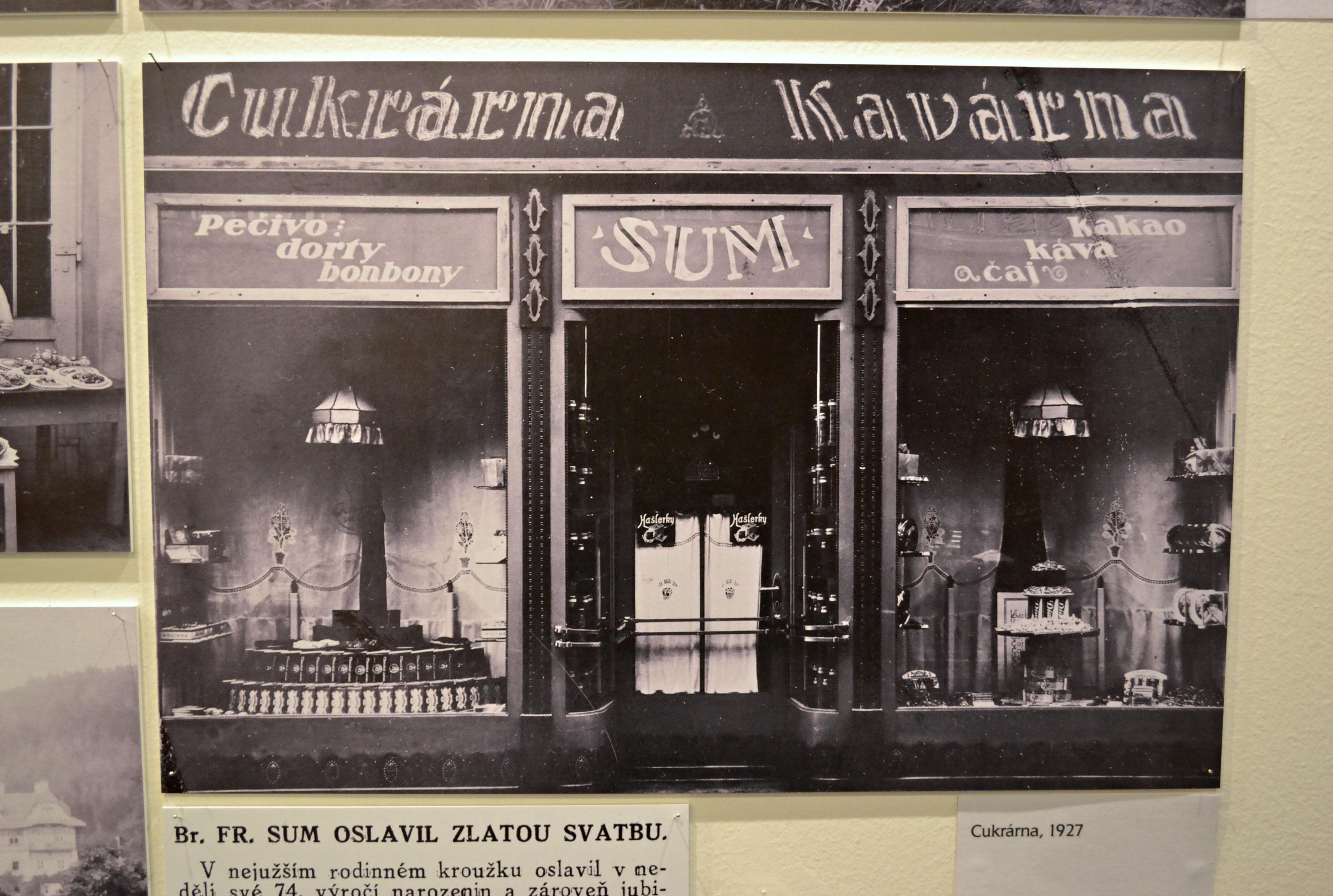 FOTO: Sladká dynastie cukrárenského rodu Sumů na výstavě v Pasáži
