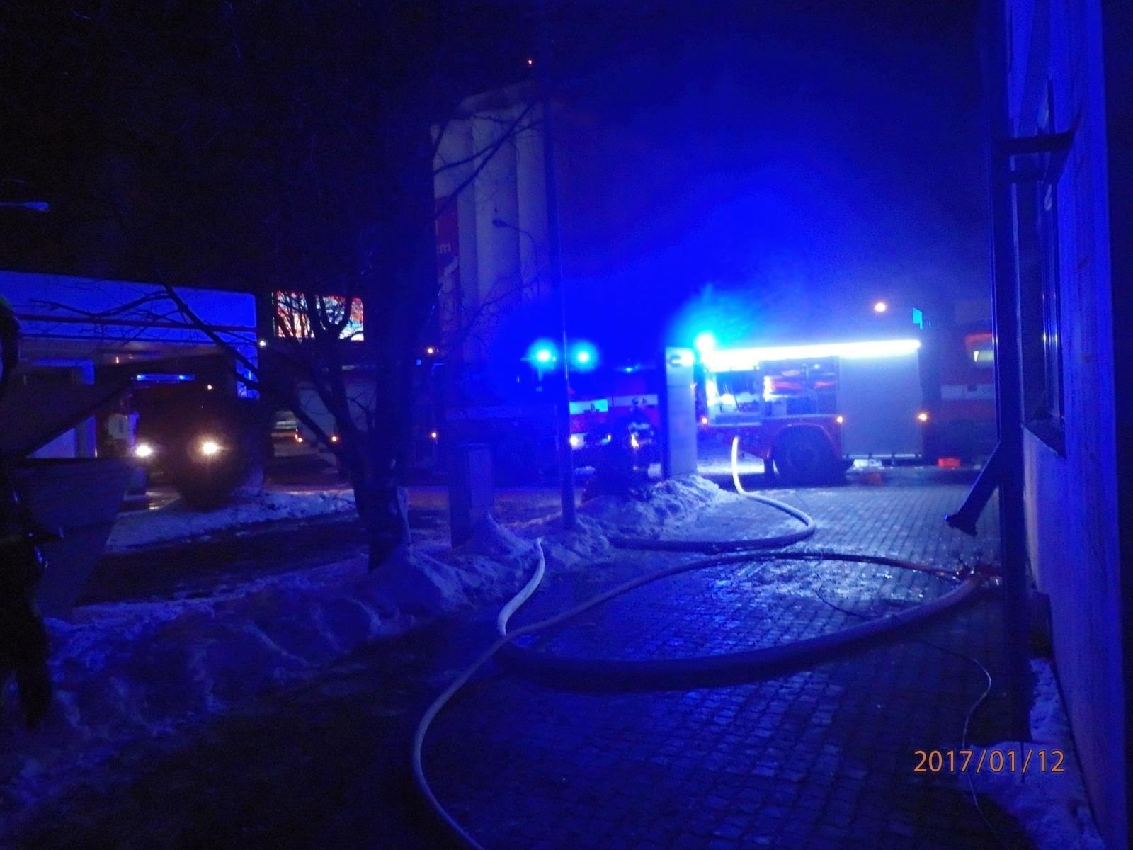 V Přerově večer hořel autosalon