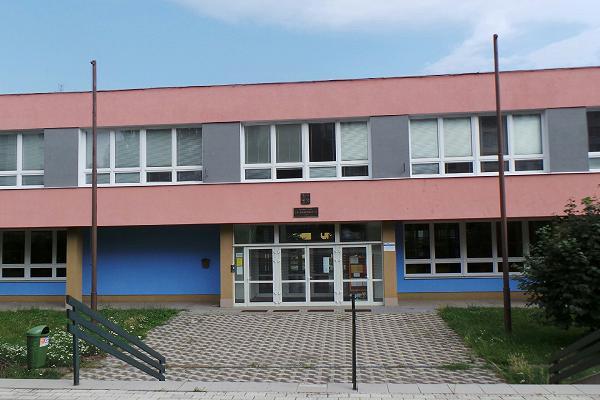 Školáci svadou řeči už nebudou dojíždět do Olomouce,  základní škola vPředmostí pro ně otevře speciální třídu