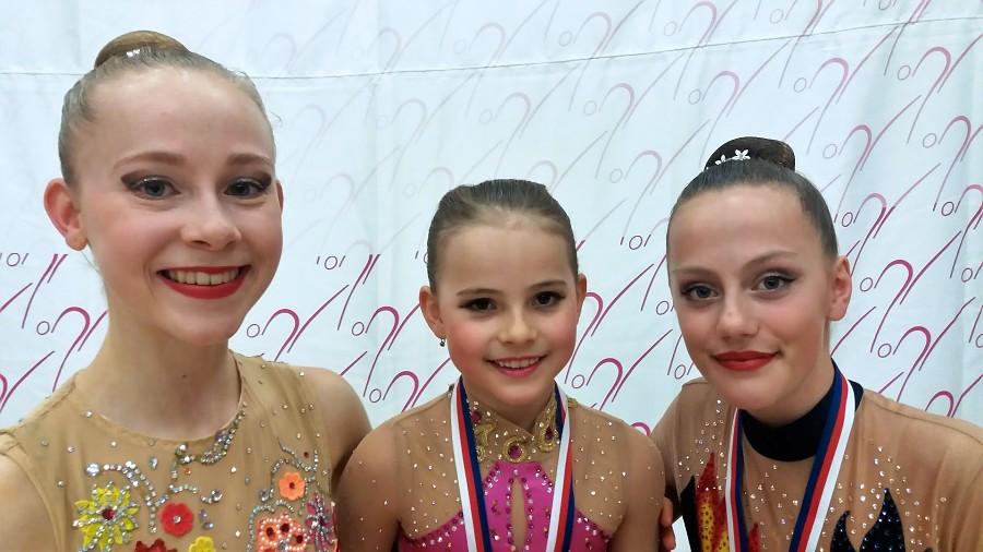Moderní gymnastky sbírají medailové body v jarní sezóně