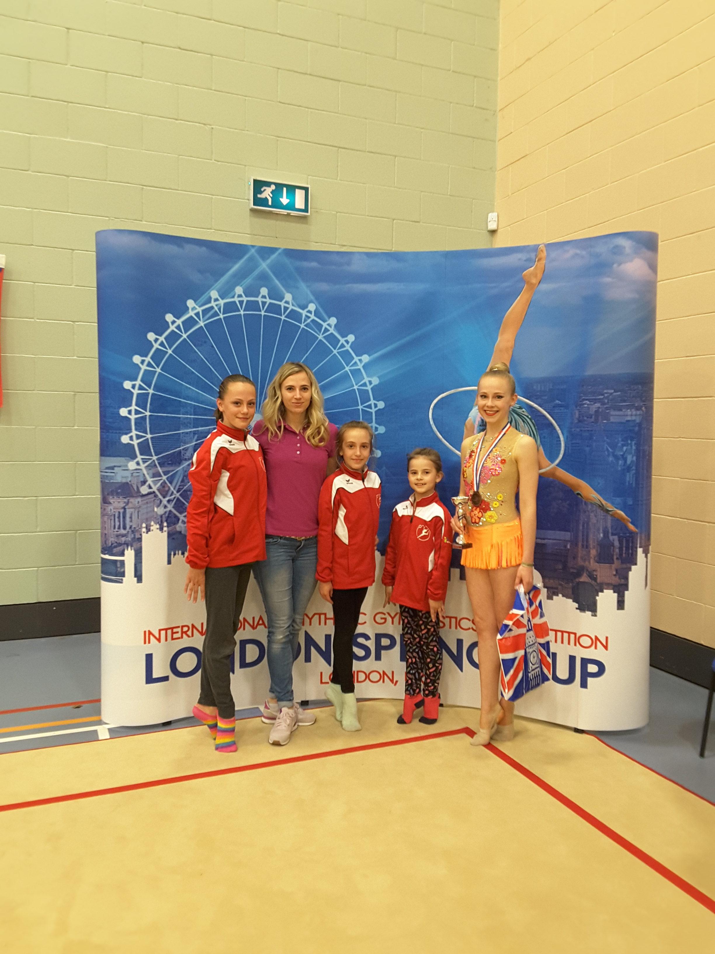 Moderní gymnastky skvěle reprezentovaly na závodech v Londýně