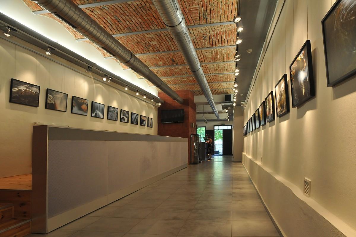 Ostravané vystaví fotky a malby evokující agónii