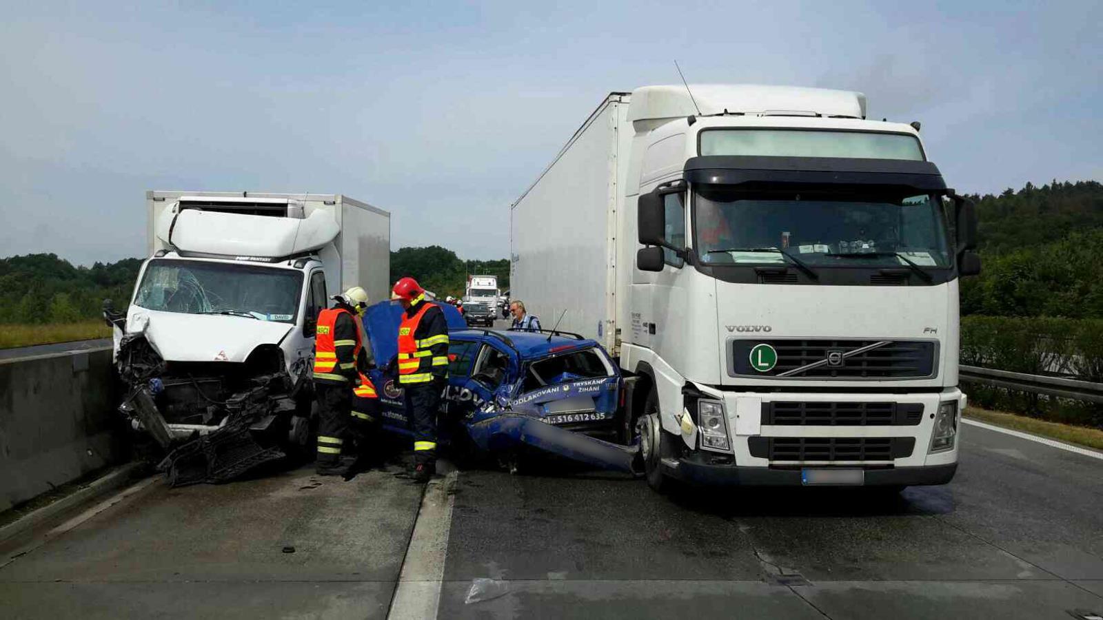 Hromadná nehoda na D35 u Dolního Újezdu