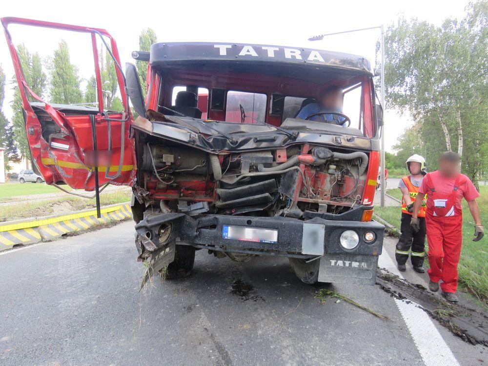 U Lověšic se stala dopravní nehoda dvou nákladních aut