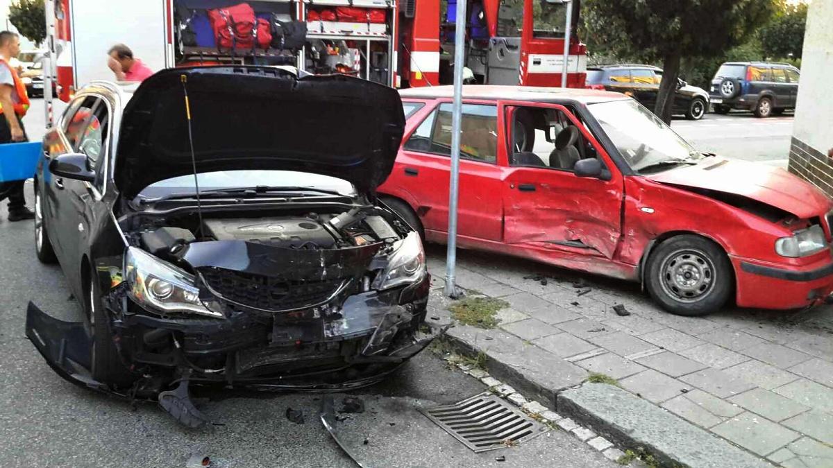 Pět zraněných osob po dopravní nehodě dvou automobilů v Přerově.