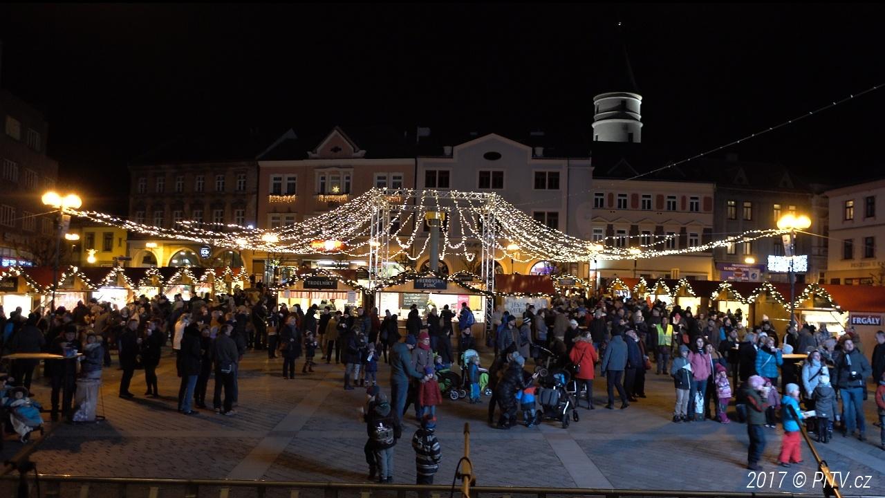 Kluziště na náměstí TGM během vánočních trhů nebude