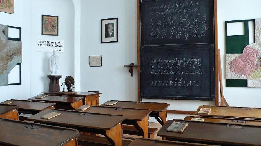 Píšete rádi? Knihovna vyhlásila literární soutěž, tématem je 100 let Československé republiky