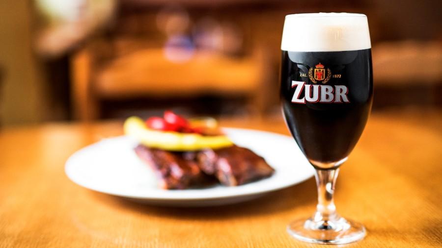 Obliba pivních speciálů roste, na čepy míří Velikonoční speciál pivovaru Zubr