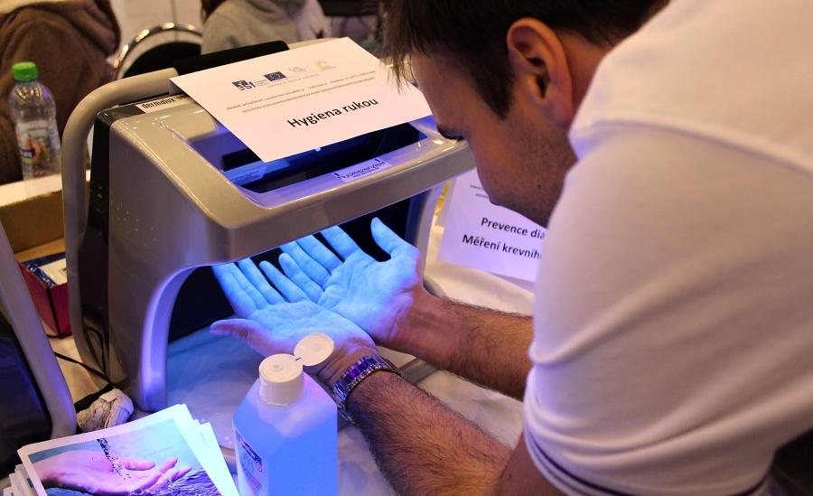 VNemocnici Přerov zájemcům poradí, jak si správně mýt ruce