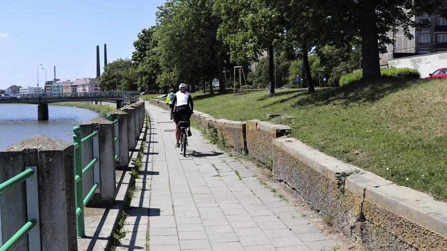 Opěrná zídka u Bečvy projde opravou