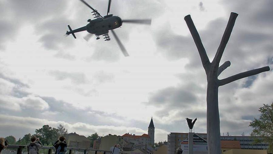 Vojenské cvičení může přinést hlukovou zátěž, způsobenou přeletem vrtulníků