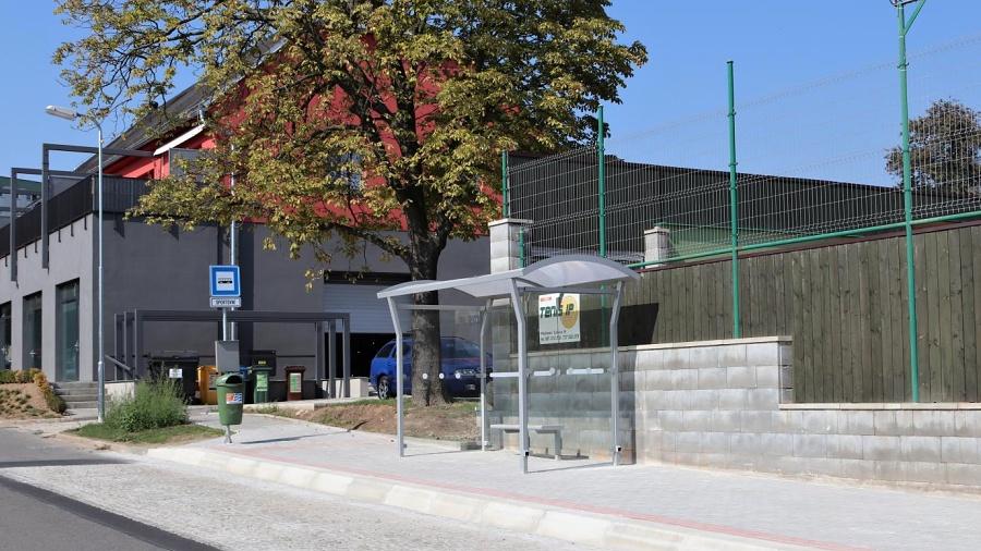 Zastávka ve Sportovní ulici bude od příštího týdne v provozu. Její stavbu si vyžádali senioři