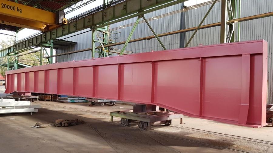 Dluhonský most bude mít nevšední barvu. Na jeho sestavení je třeba tisícovka šroubů