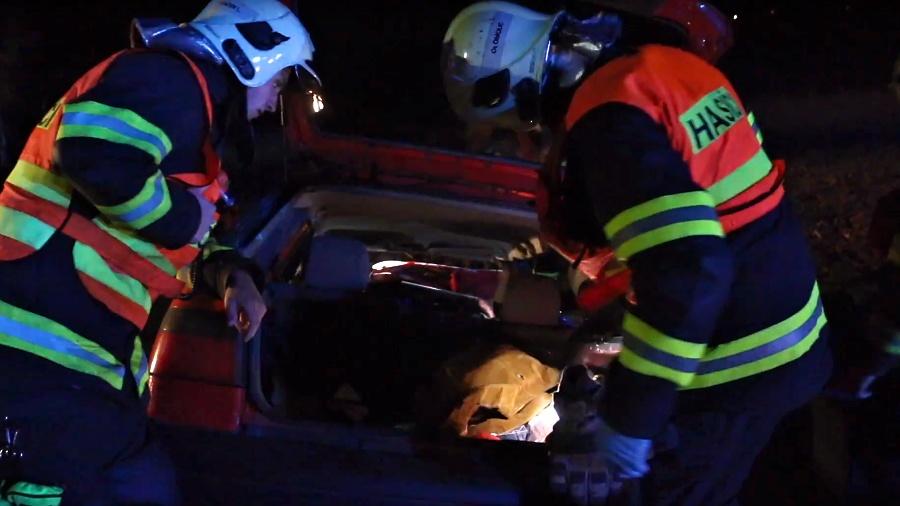 Tragická dopravní nehoda tří osobních vozidel – Krčmaň