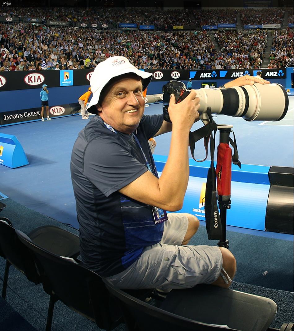 Zemřel sportovní fotograf Jiří Vojzola