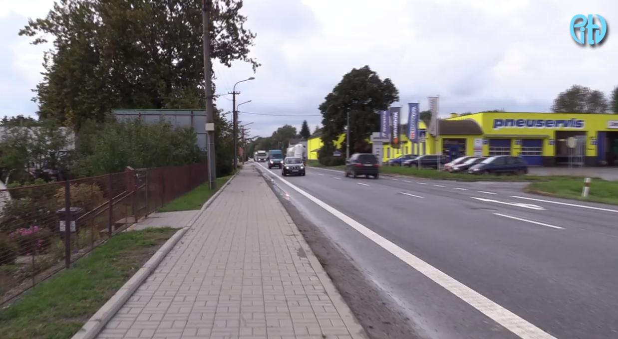 Lidé z Lýsek už nebudou muset přebíhat frekventovanou silnici. V obci vznikne nová točna