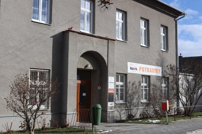 Prodejna pečiva v Žeravicích je ztrátová, pro místní ale potřebná. Radní souhlasí s podporou