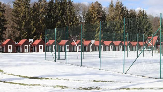 Tábor v Čekyni měl u jedné z budov propadlé stavební povolení, magistrát teď řeší výjimku