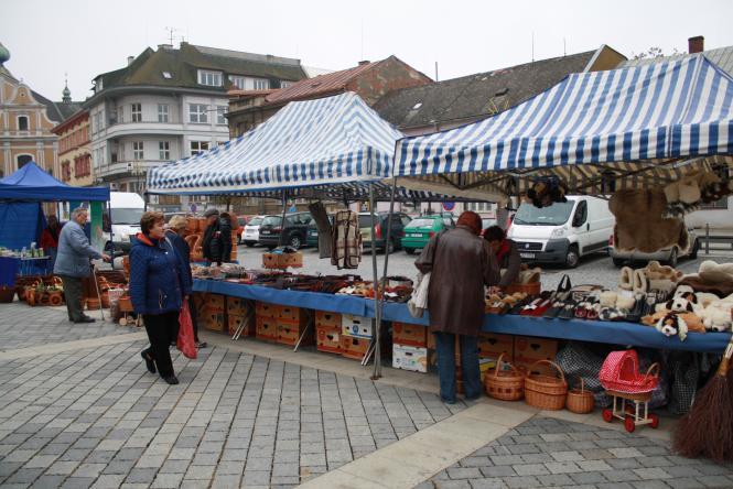 Farmářské trhy v Přerově změní provozní dobu. Stánkaři zůstanou na náměstí až do 17 hodin