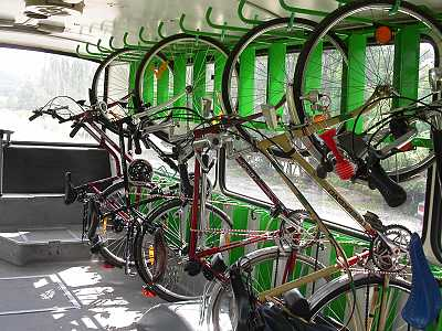 Vydejte se cyklobusem na výlet do Beskyd nebo na hrad Bouzov