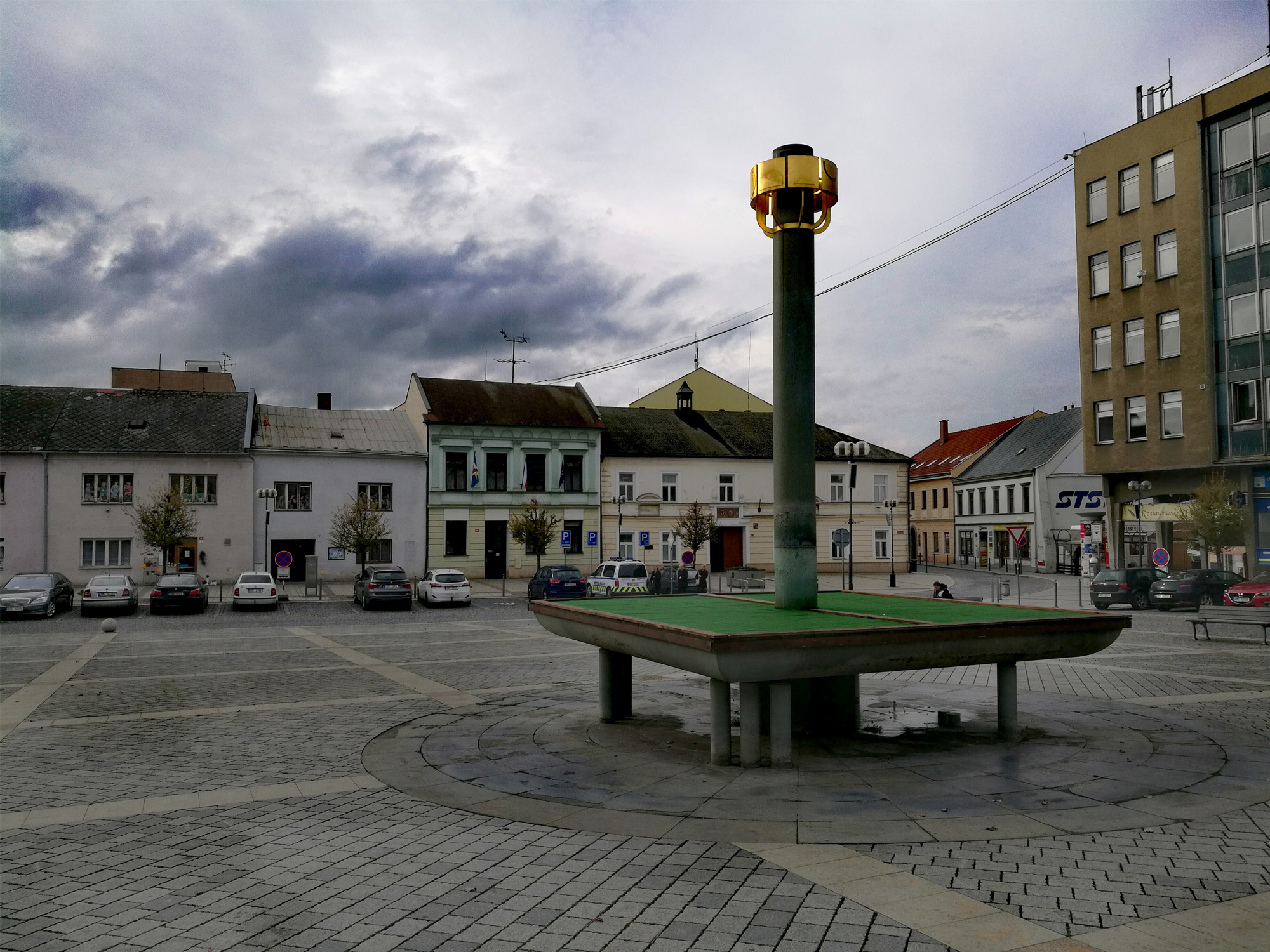 Kašna na Masarykově náměstí potřebuje opravit