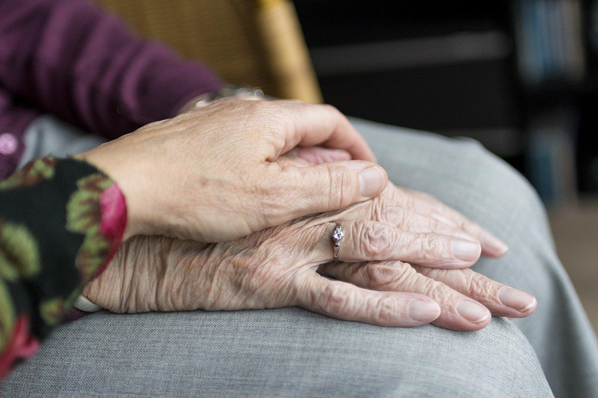 Kraj přidá peníze na péči o těžce nemocné a umírající