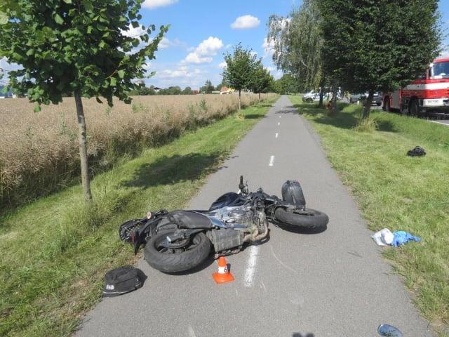 Kamion smetl motorkáře z cesty na radslavickou cyklostezku. Policie hledá důležitou svědkyni