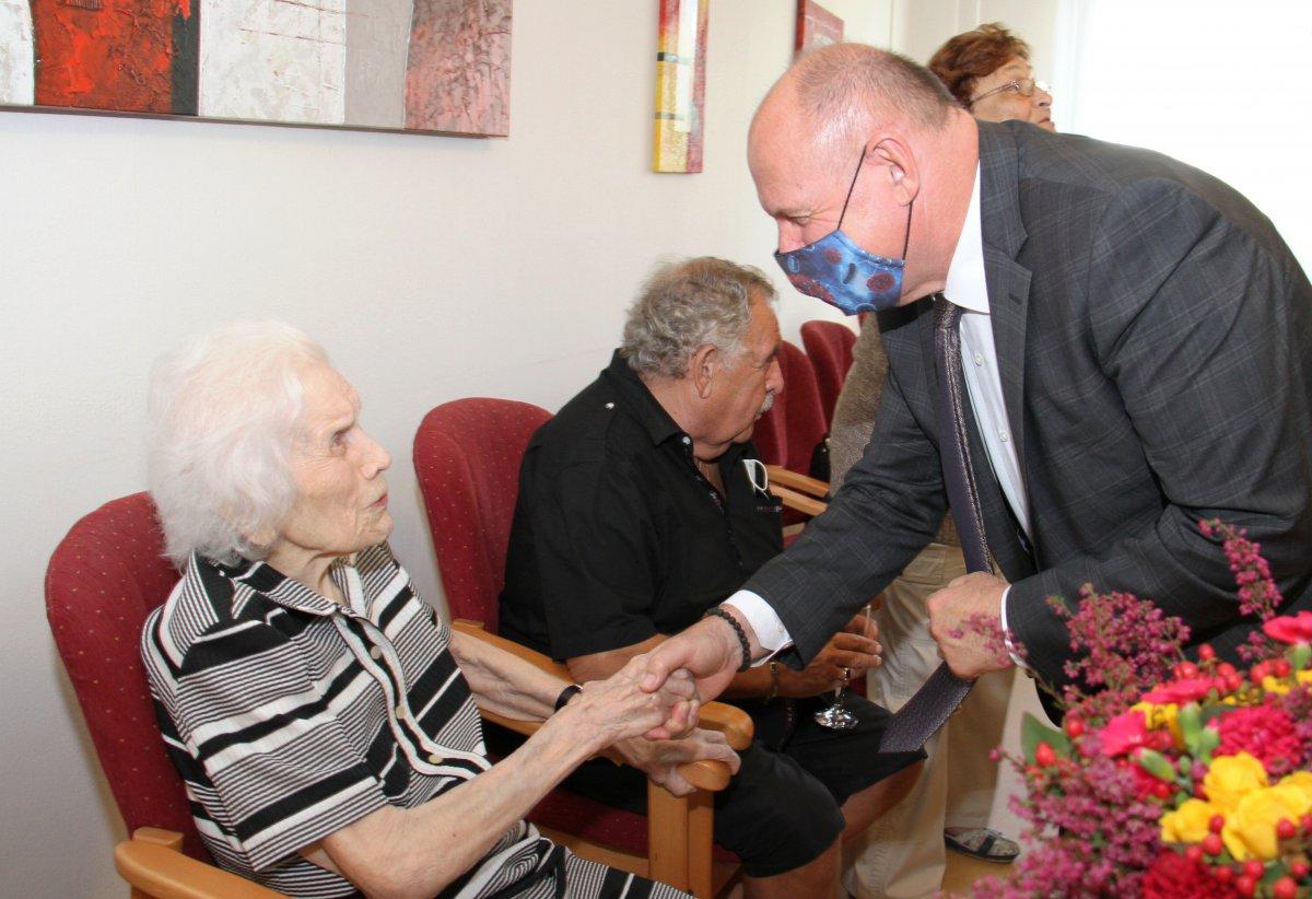 102letá babička oslavila narozeniny v Pohodě