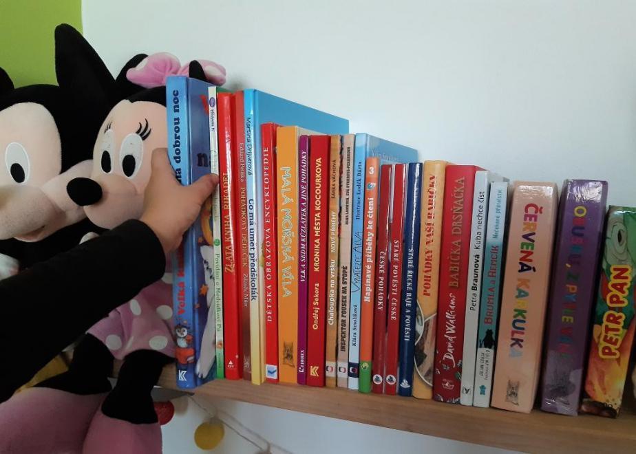 Dluhy dětí bude městská knihovna nově řešit s jejich rodiči