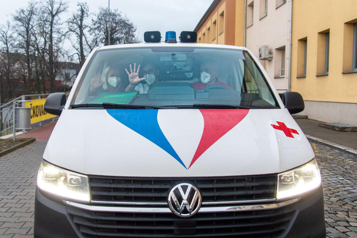 Mobilní týmy FN Olomouc naočkovaly už 2000 lidí