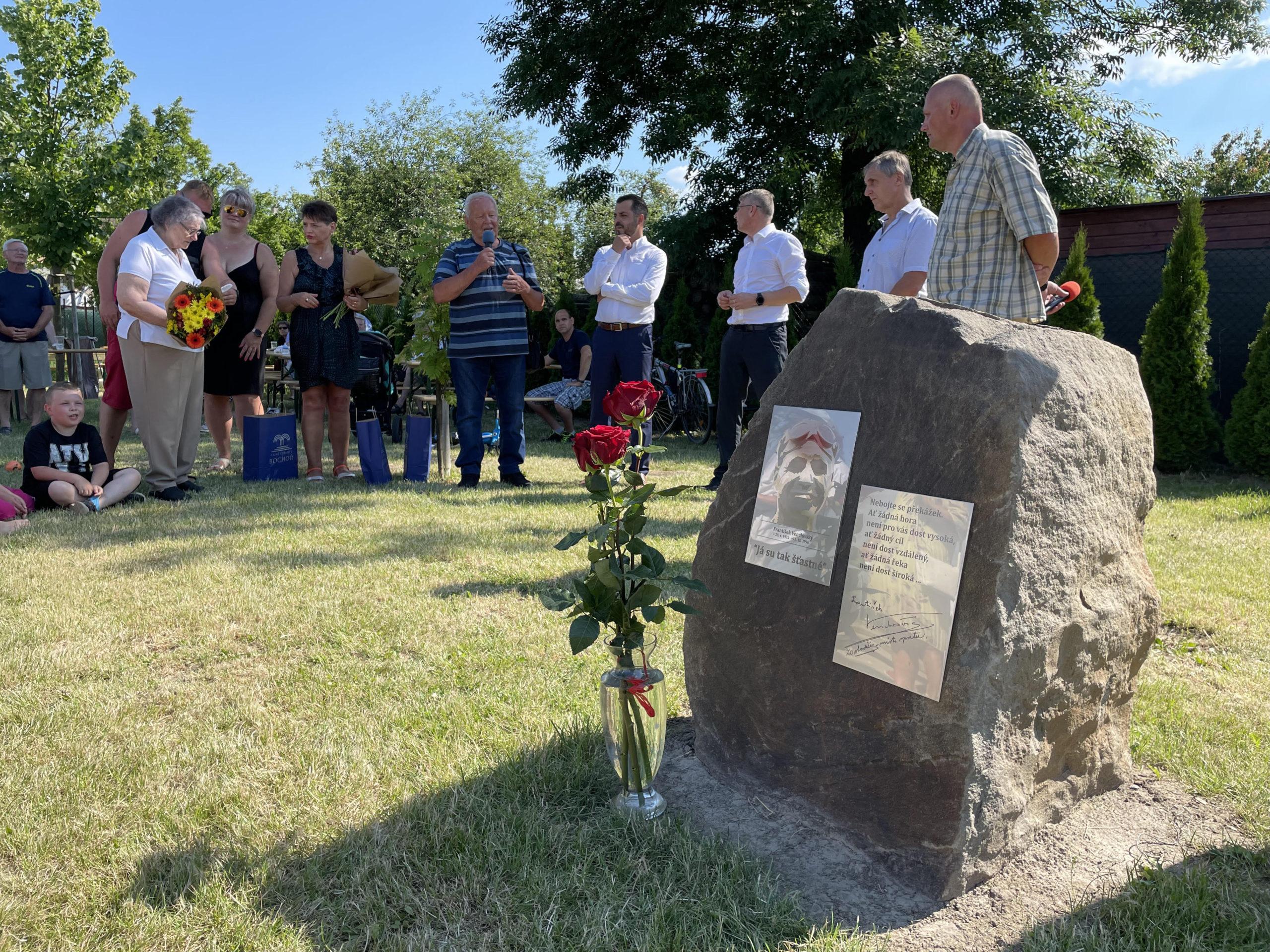 František Venclovský má v Bochoři svou pamětní desku