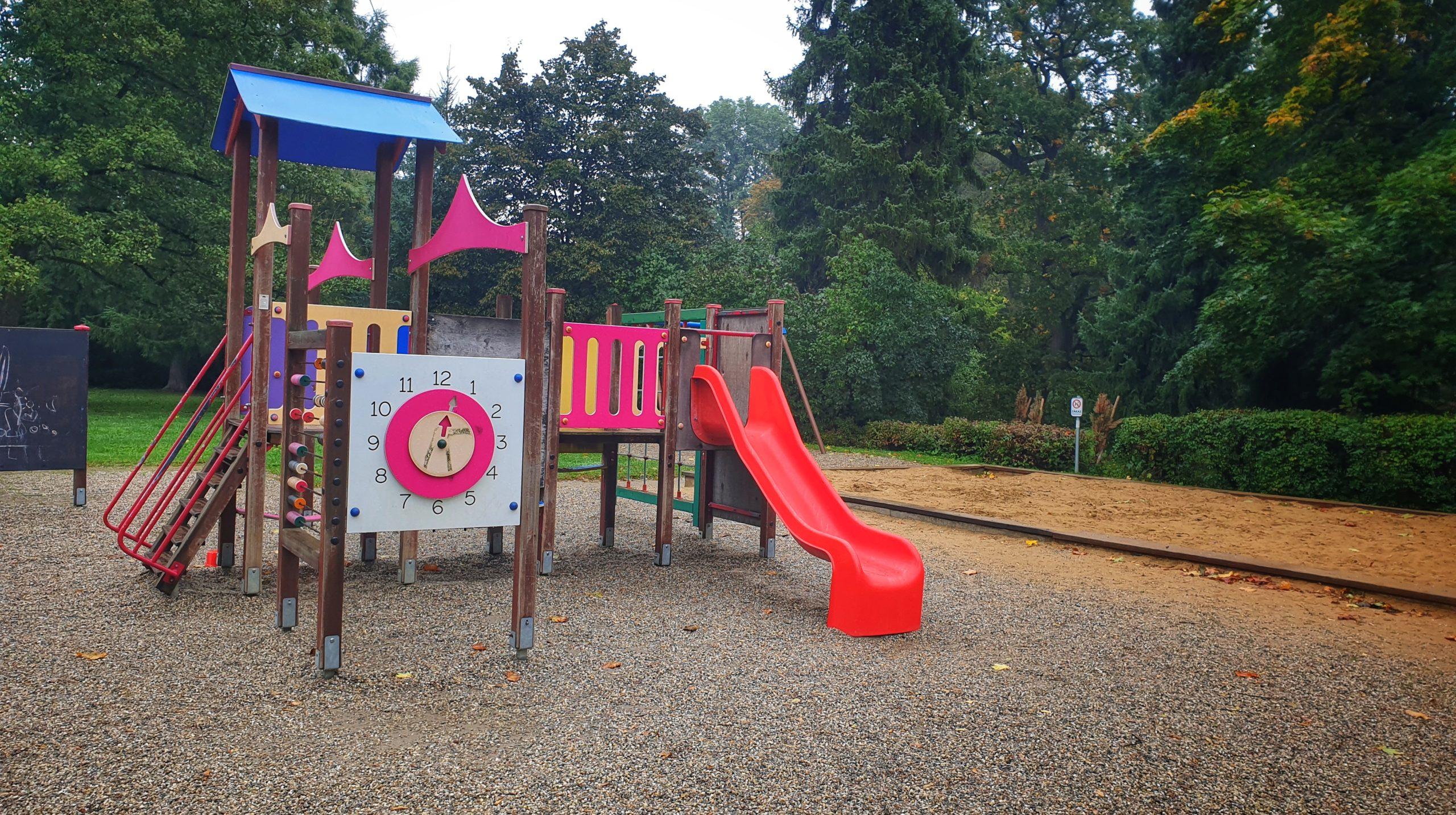 Dětská hřiště v Michalově dostanou nové prolézačky ze dřeva